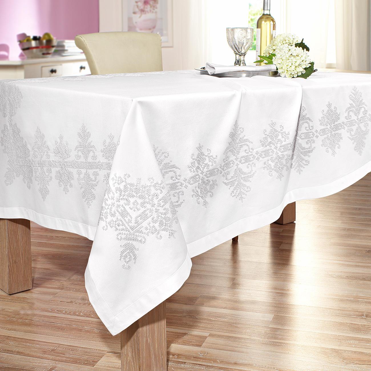 kreuzstich tischw sche aus feinem baumwollsatin 4 versch farben. Black Bedroom Furniture Sets. Home Design Ideas