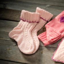Modell 811/4, Socken aus Kaschmir von Junghans-Wolle