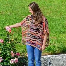 Modell 080/7, Poncho aus Bandy Color von Woolly Hugs