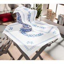 Baumwoll-Tischwäsche - Klassisch-Blau Stickereien in Blau-Weiss – luftig frisch und dennoch zeitlos klassisch.