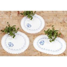3 Deckchen - Blaue Rosen im Set Stickereien in Blau-Weiss – luftig frisch und dennoch zeitlos klassisch.