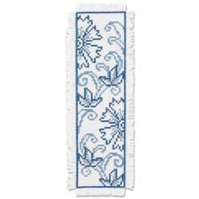 """Lesezeichen """"Blaue Blumen"""" Stickereien in Blau-Weiss – luftig frisch und dennoch zeitlos klassisch."""