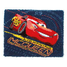 Disney-Knüpfteppich - Lightning McQueen DISNEY – Das Original Das schnellste Rennauto der Welt - jetzt auch bei Junghans Wolle.
