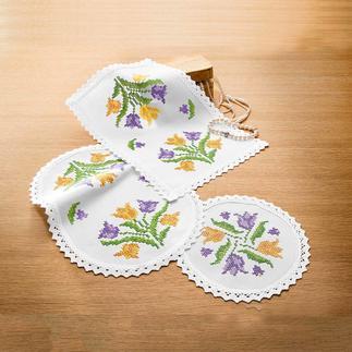 Farbig bedruckte Deckchen - Tulpen Farbig bedruckte Deckchen – bereits unbestickt ein Blickfang.