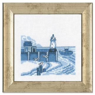 Miniatur-Stickbild - Leuchtturm Stickereien in Blau-Weiss – luftig frisch und dennoch zeitlos klassisch.