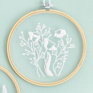 Stickbild - Mohnblumen Feinste Stickmotive auf zarten Tüll.