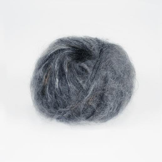 "Feelana Print von Junghans-Wolle, Grau-Print Langhaariges Mohair - das ist ""der"" Wintertrend."