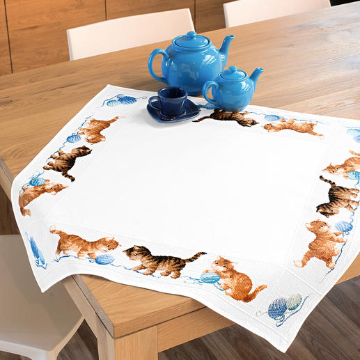 Aida-Tischdecke - Verspielte Katzen