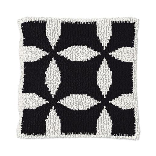Knüpfkissen - Black & White No. 2